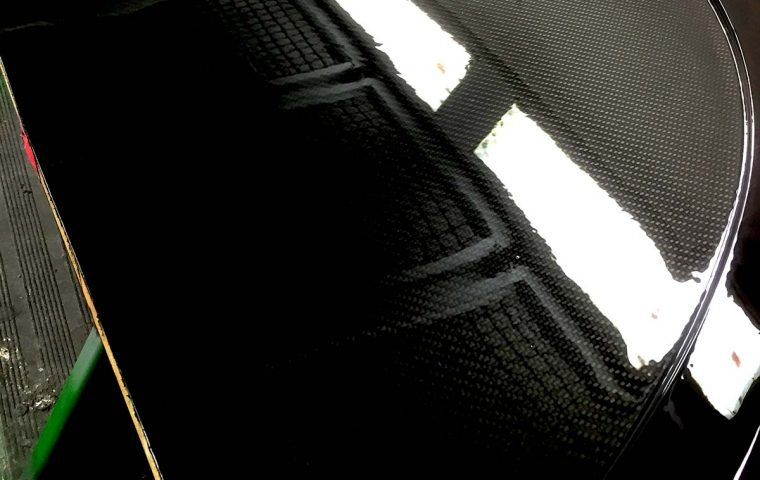 lackdesign-werbung-sonilack-carbon
